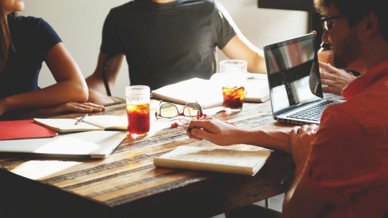 Bekerja di Perusahaan Besar|Image 4
