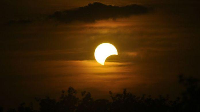 pencarian terpopuler google | gerhana matahari
