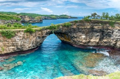 10 Best Islands Around Bali For Romantic Island Hopping
