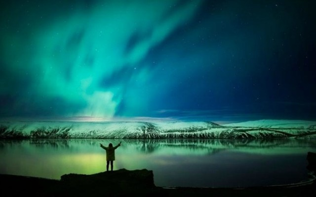 A person enjoying the views of Northen Lights