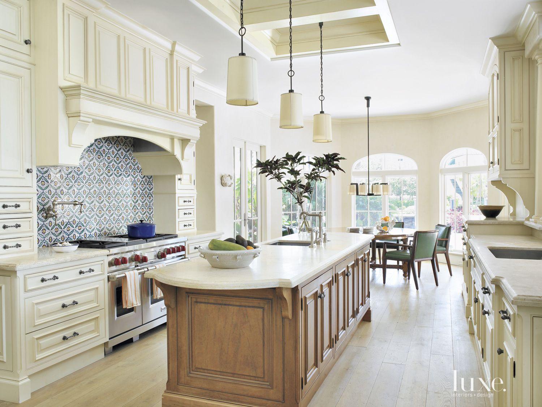 traditional white kitchen decorative