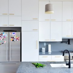 White Kitchen Wall Cabinets Doors Only Ikea Pro Design Tips For Custom Look Apartment Sektion With 2 In Ringhult High Gloss Finish