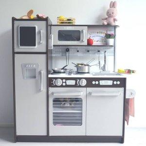 kid craft kitchen how to resurface cabinets uptown espresso play zo blij met lily haar keukentje kidkrafttoys kidkraft