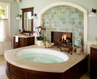 Fireplace And Jacuzzi Bath For A Romantic Evening