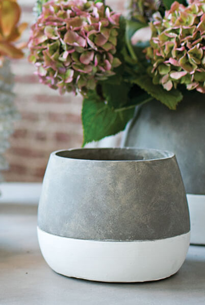 Dip Dyed Ceramic Ash Flower Pots 675 x 525in