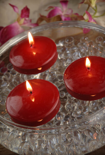 12 Red 3 Floating Candles