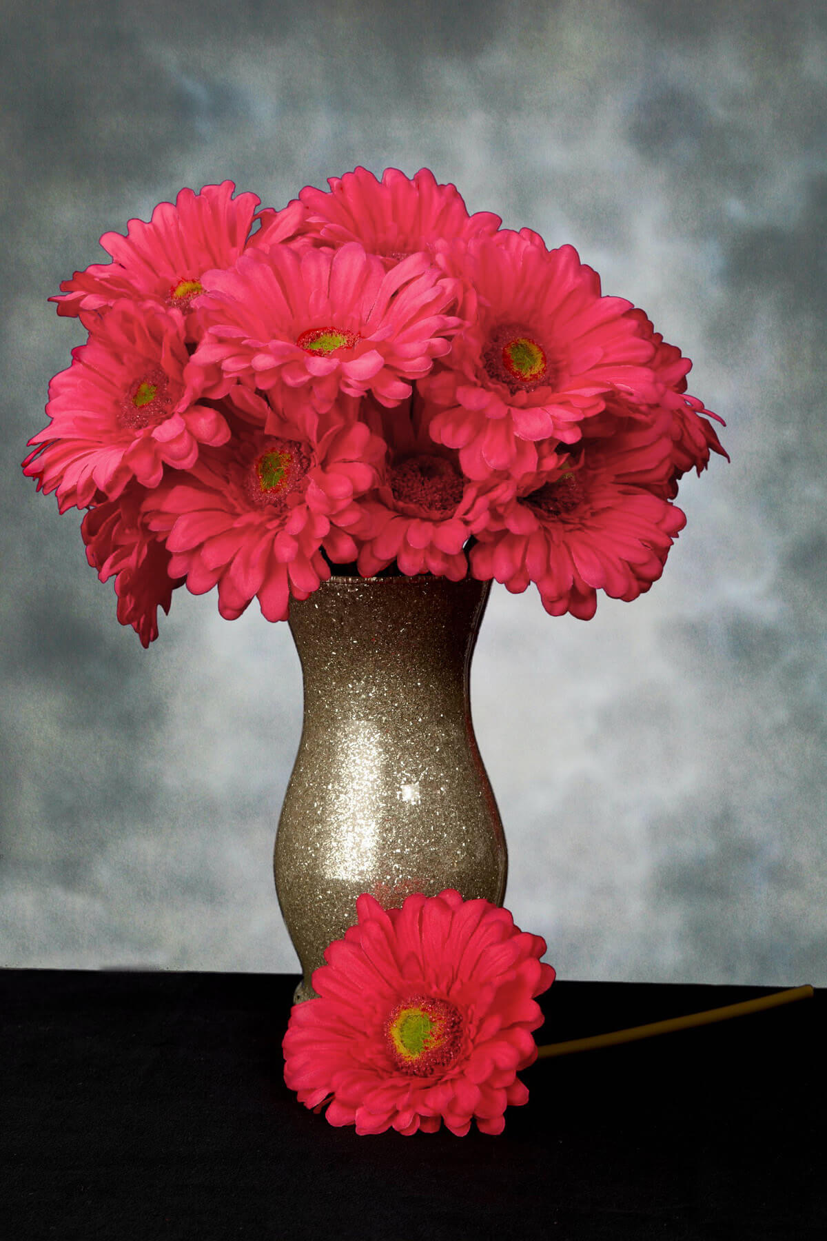 Gerbera Daisy Stem Pink Beauty 9in Pack of 24