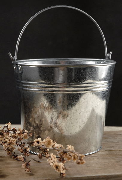 Galvanized Pails with Handles 7in