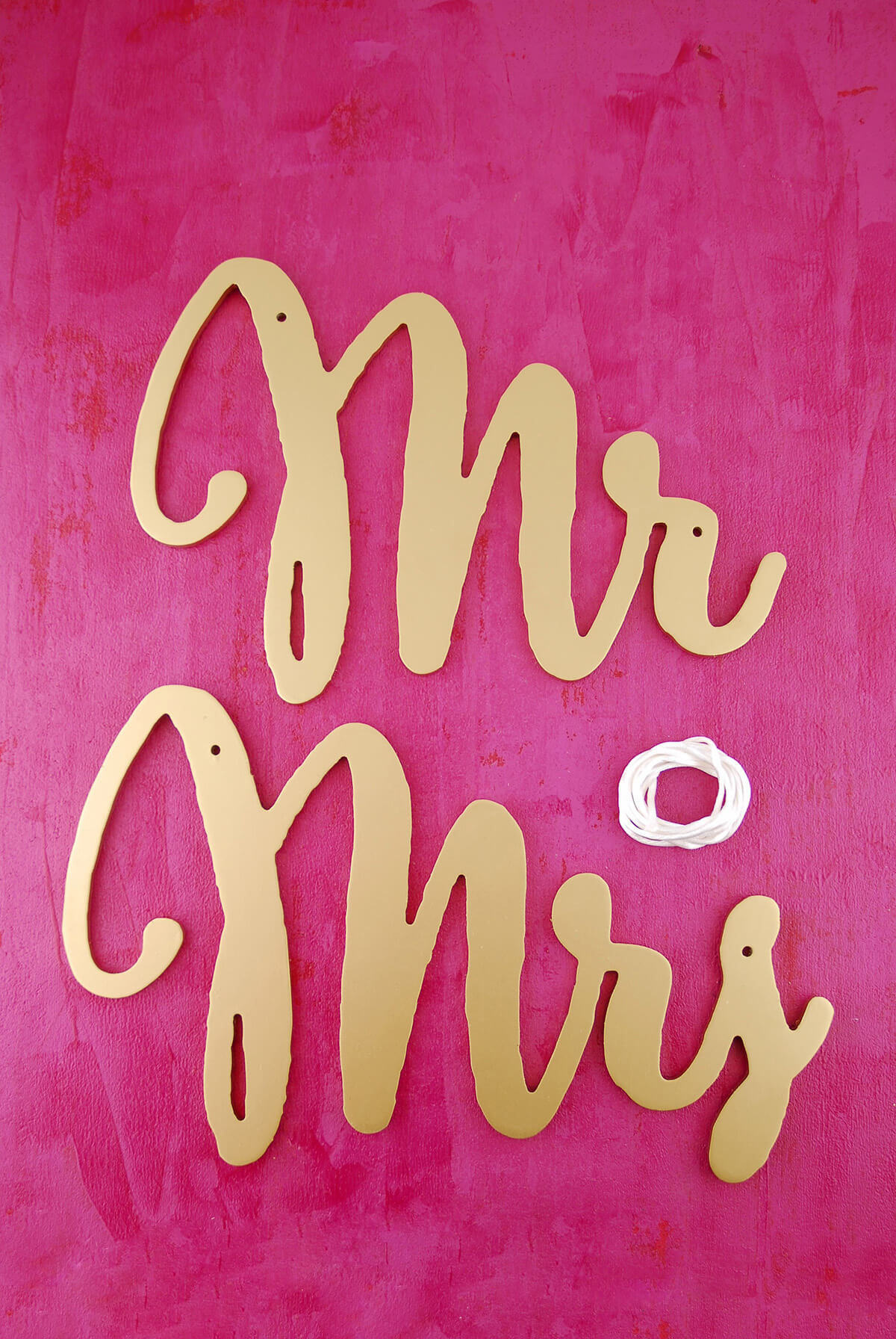 Mr and Mrs Chair Signs Gold