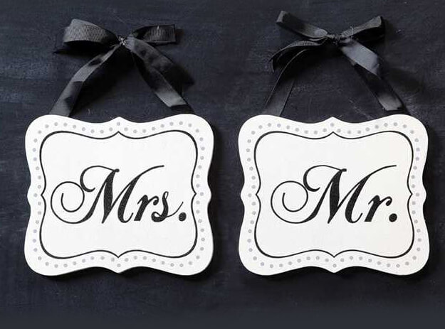 Mr  Mrs Chair Signs 7in