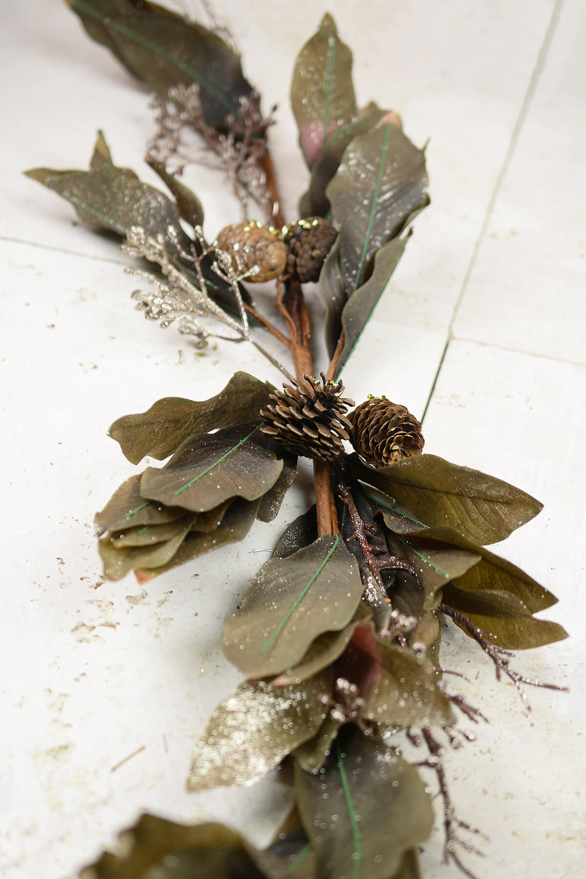 Taupe Magnolia Amp Pinecone Holiday Swag 50