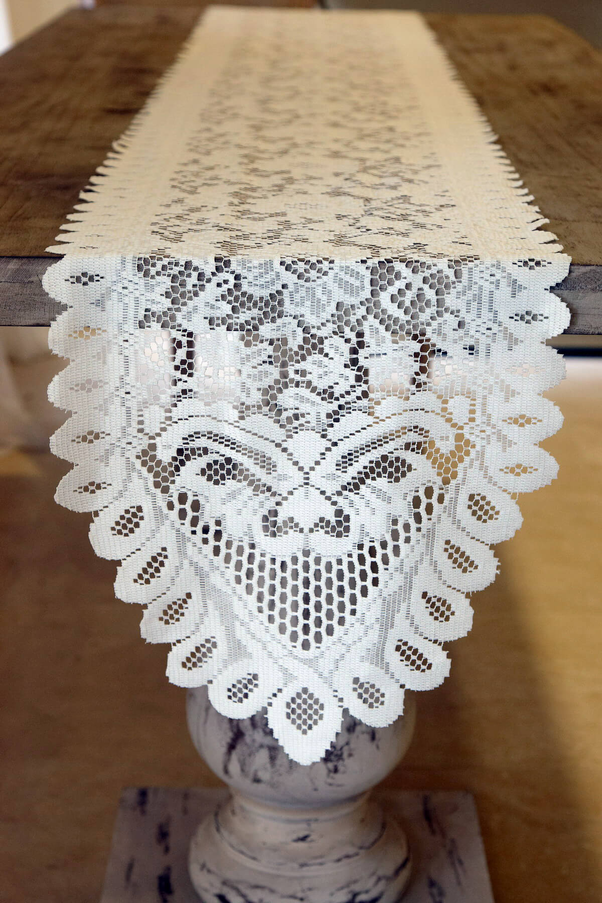 Lace Table Runners Ivory 13 x 120in