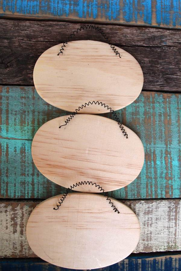 3 Oval Wood Signs With Wire Hangers 5-1 4 Inches Crafts