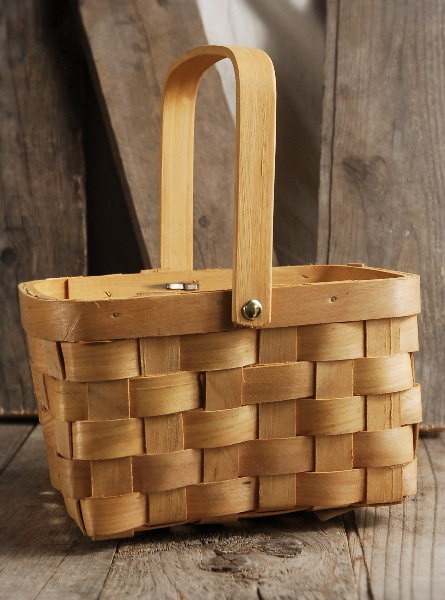 Natural Chipwood Basket with Swing Handle  Liner 8x6