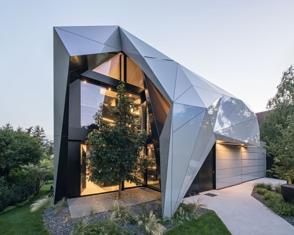 Futuristic Home Features Iridescent Alucobond Spectra In Impressive Abstract Exterior