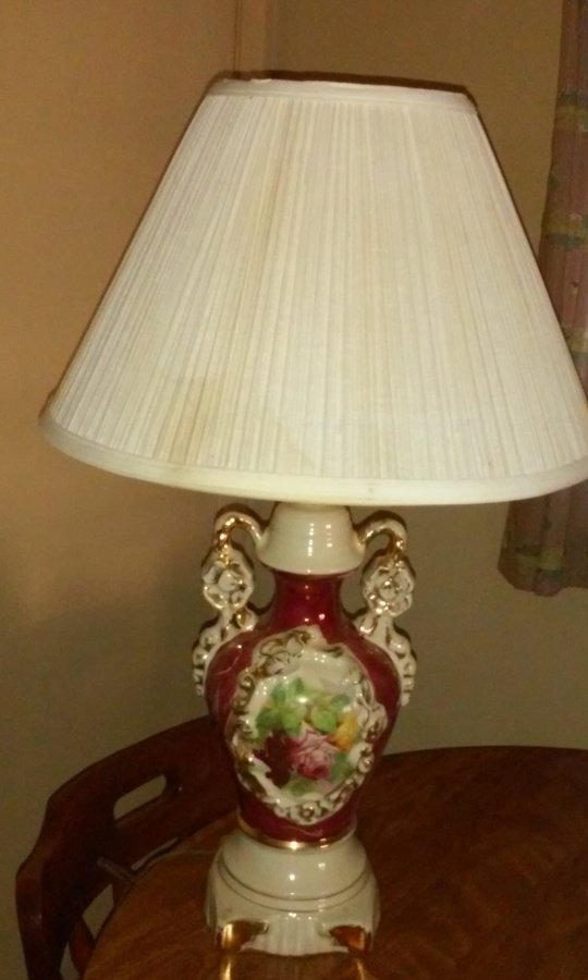 I Have A Signed Porcelain Lamp Signed By Ullrich It Has Hand Painted Roses  Artifact Collectors