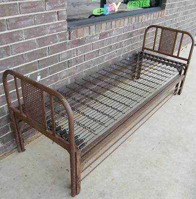 Unusual Narrow Iron Trundle Bed My Antique Furniture