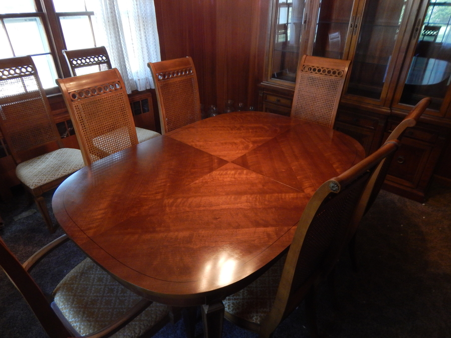 Thomasville Dining Room Set Circa 1966 Includes 8 Chairs