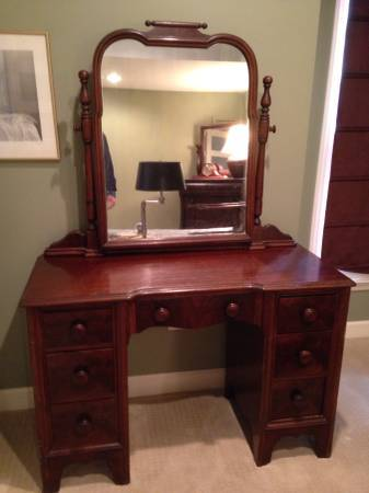 I Have A 1930s 46 Mahogany Continental Furniture Company Vanity And Idea  My Antique
