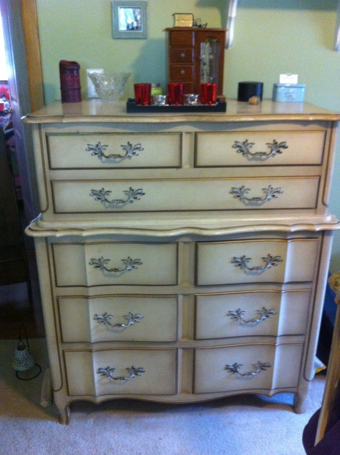 I Have Five Pieces Of Bedroom Furniture It Is Dated To