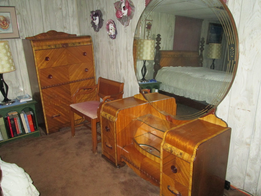 I Have A United Furniture Co Lexington NC Red Room