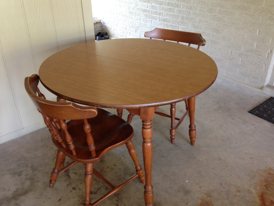 Hi I Have A Hale Company Table With A Tag On The Bottom That Reads 643 Spi My Antique