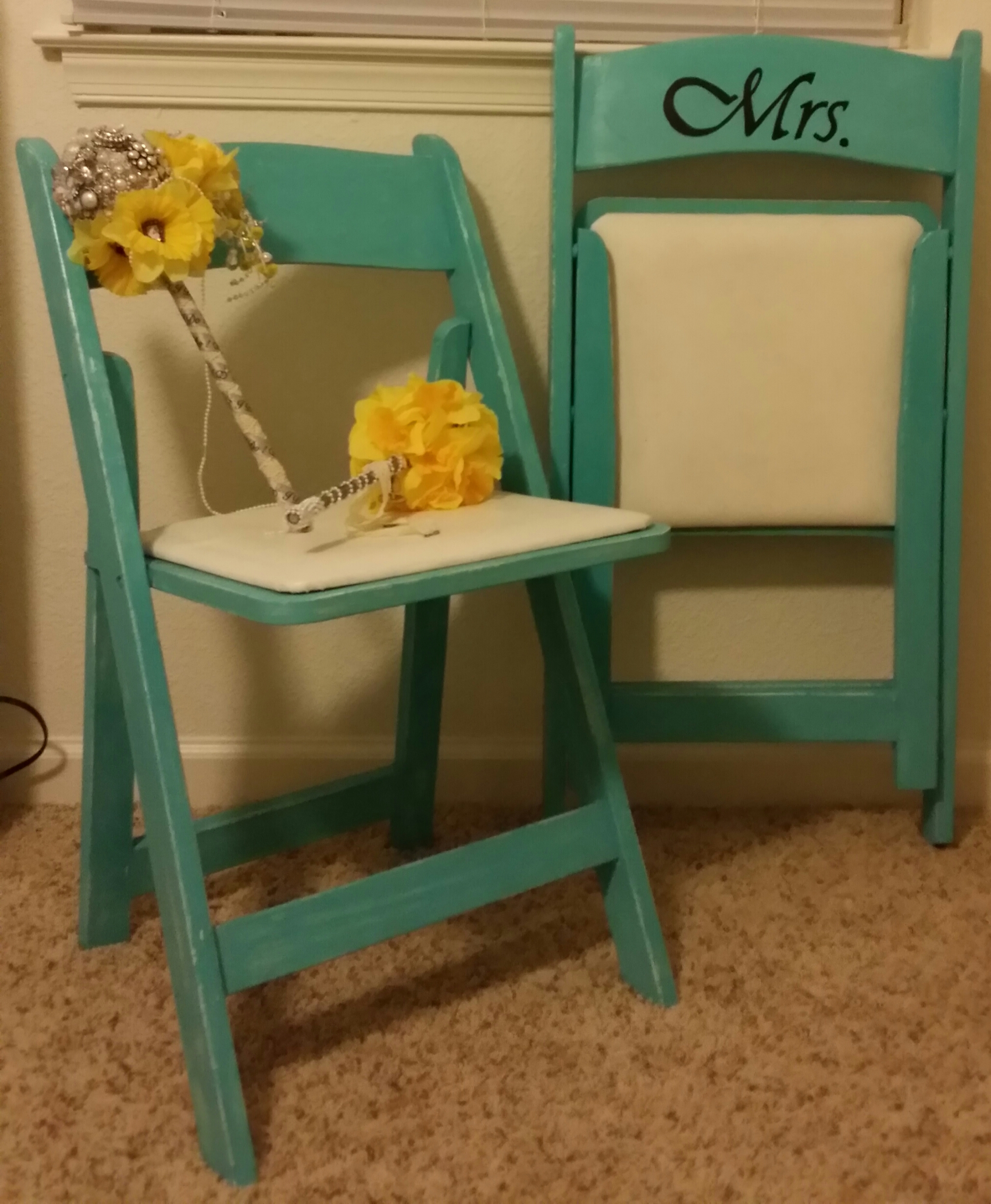 custom folding chairs elvis chair personalized mr and mrs