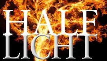 Half licht (Zwart-wit trilogie #3) – Sally Green