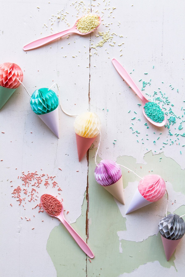 Mini Honeycomb Ice Cream Garland |  ¡Oh dia feliz!