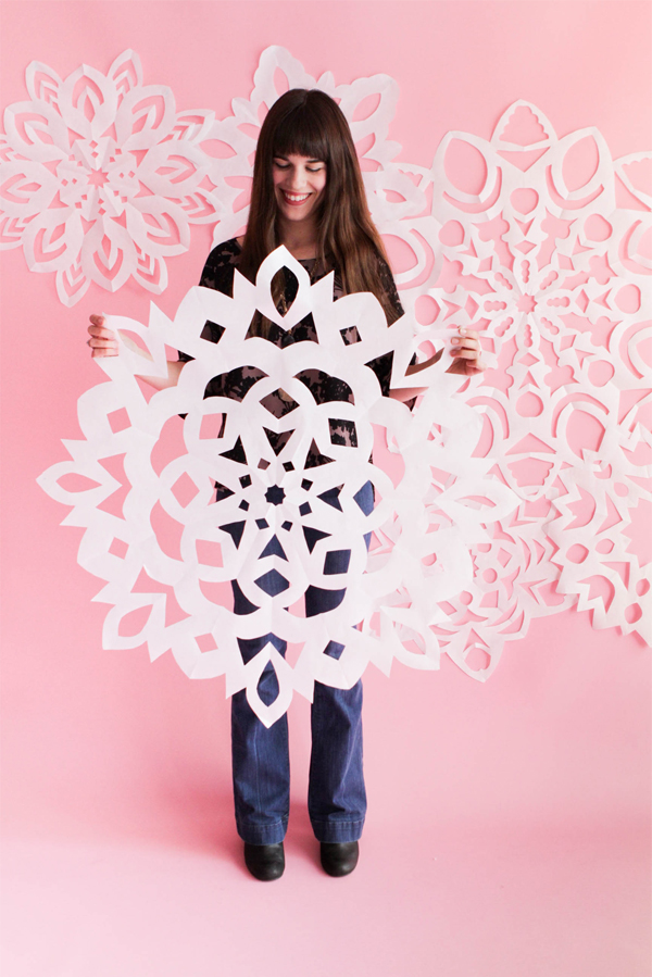 Giant Paper Snowflakes | Oh Happy Day!