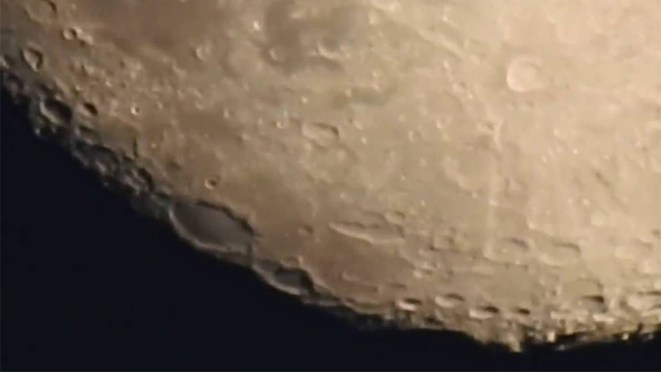 Nikon Coolpix P900 Superzoom Shooting At The Moon