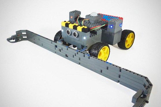 Leguino Arduino-enabled LEGO Bricks