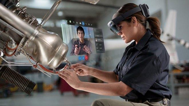 Microsoft HoloLens 2 Mixed Reality Headset