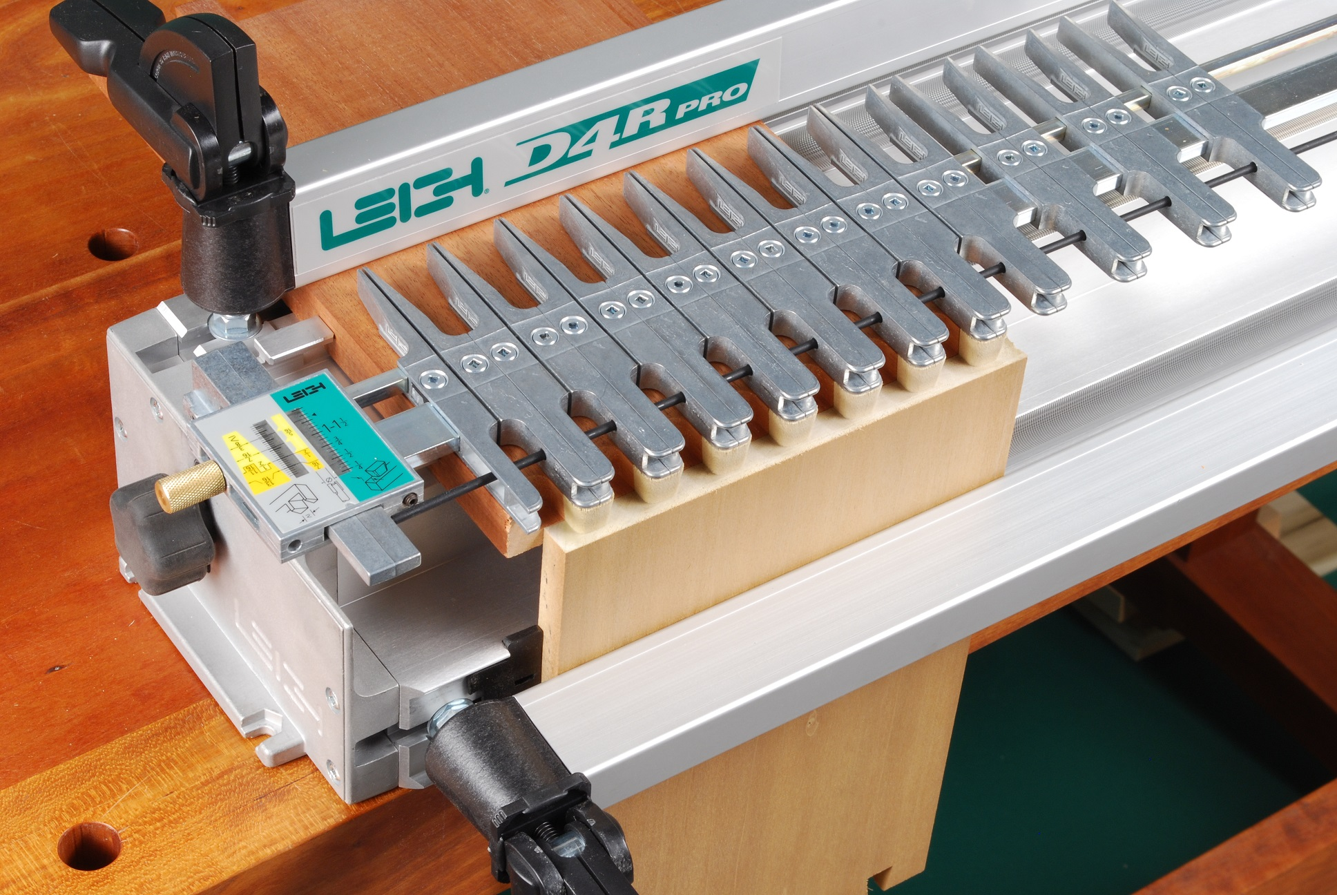 Leigh D4R Dovetail Jig Reviews WWGOA Product Review