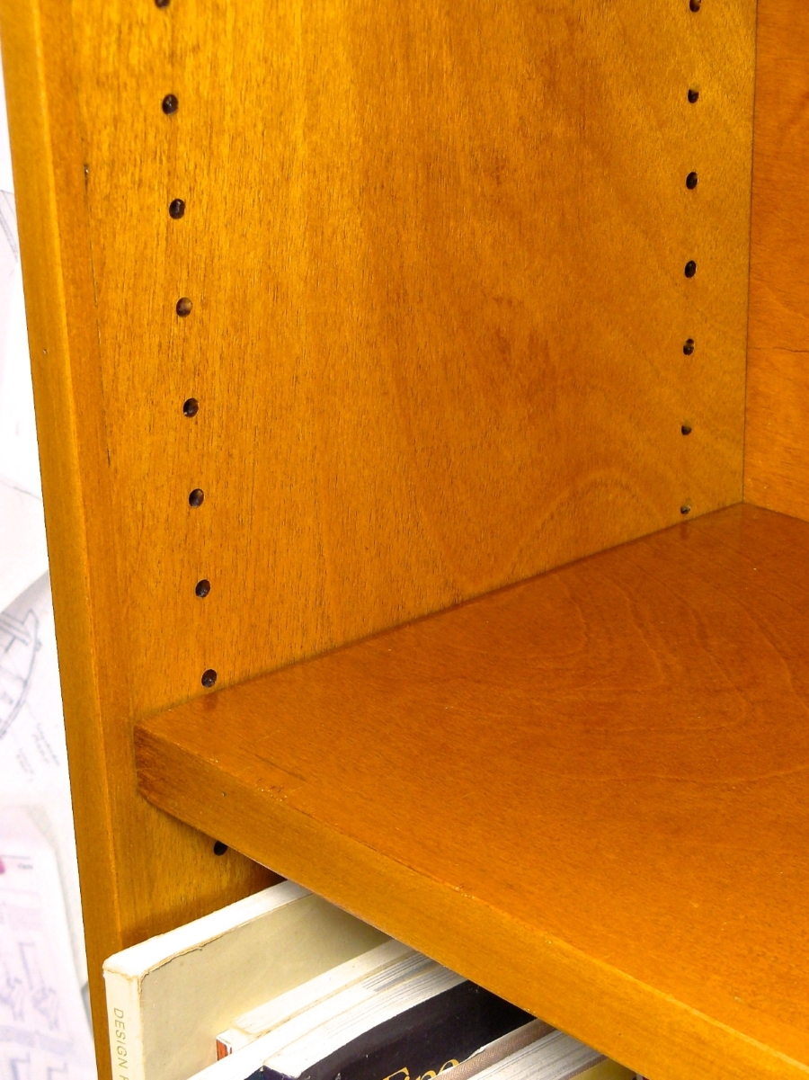 Invisible Shelf Pins  Woodworkers Guild of America