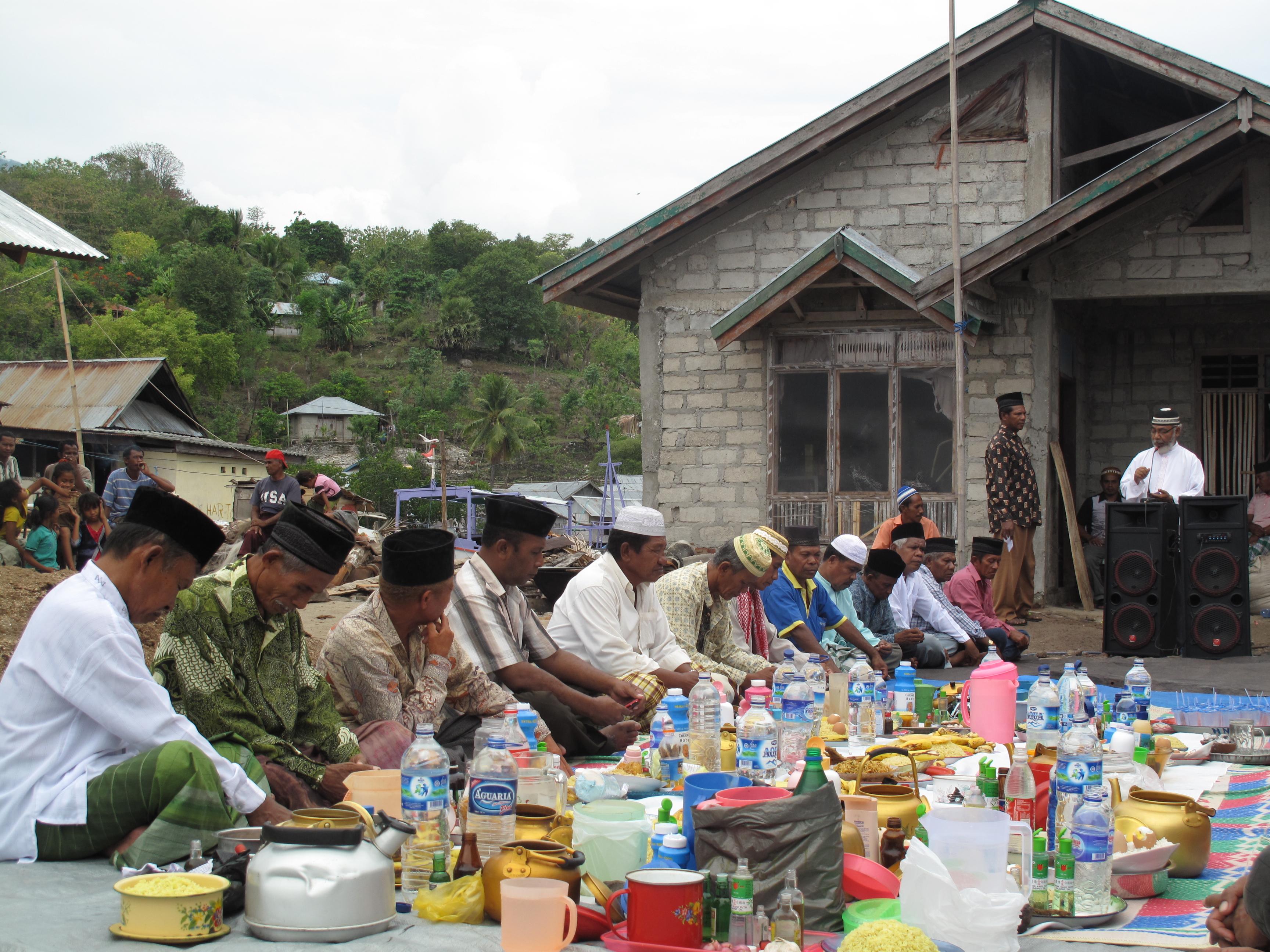 Tradisi adat dan kearifan lokal dalam dunia perikanan di
