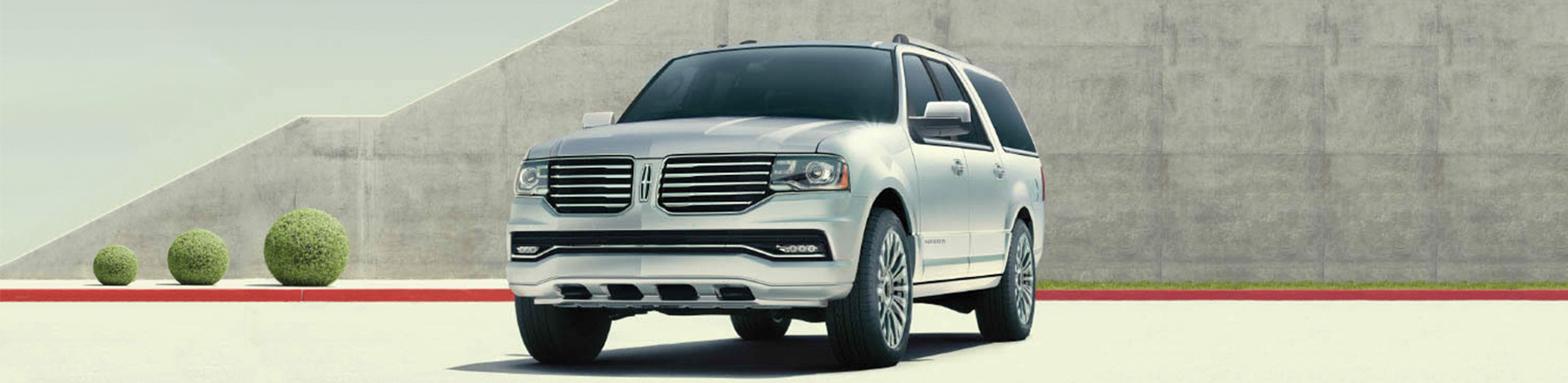 2017 Lincoln Navigator in Chatham, ON