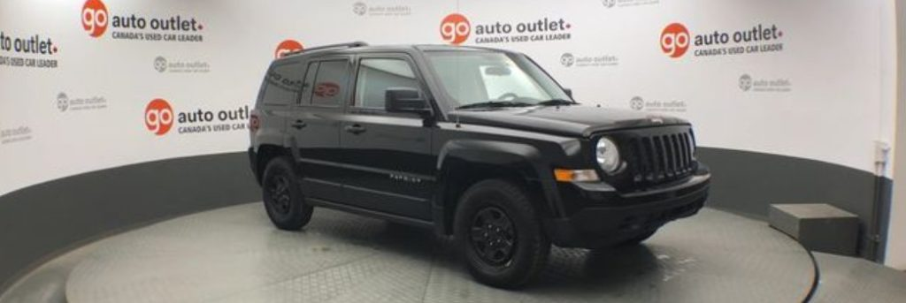2016 Jeep Patriot front quarter from the right side