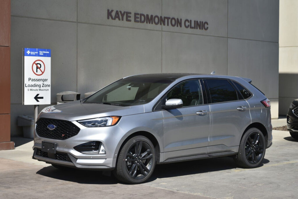 2020 Ford Edge ST Side Profile