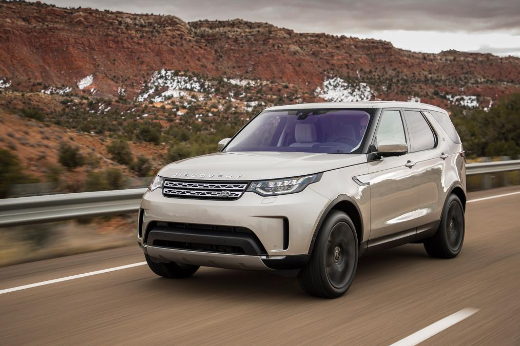 Land Rover Discovery wins 'Best Large SUV' award