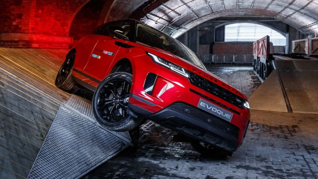 RANGE ROVER EVOQUE: A DEEPER DIVE AND QUICK OFF-ROAD DRIVE