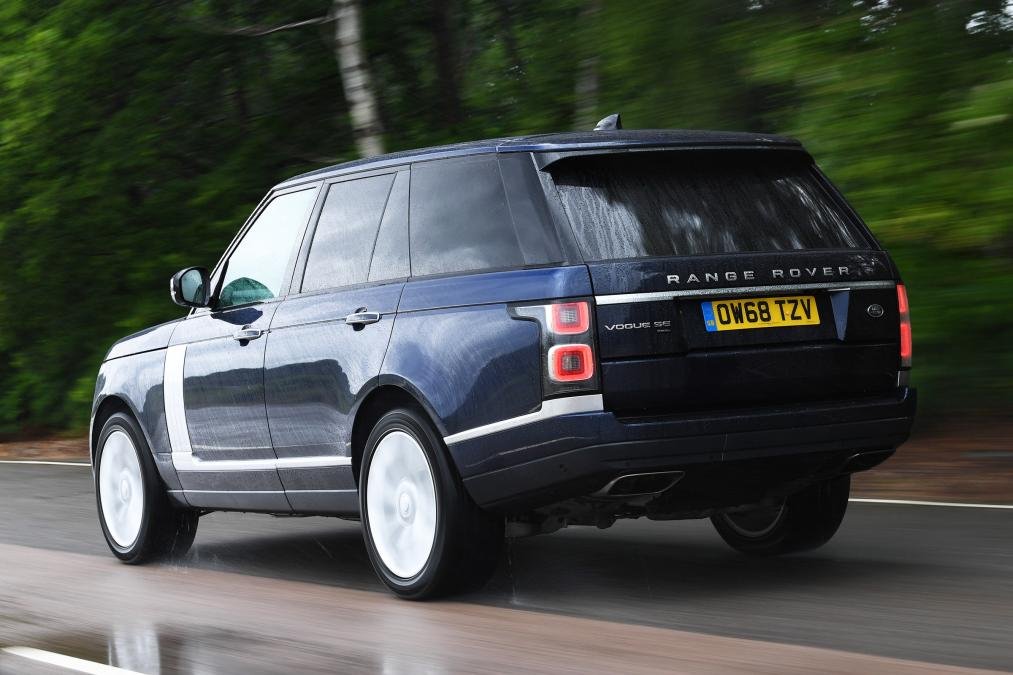 Range Rover P400e Comparison Review