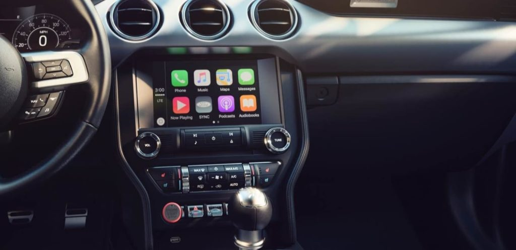 Ford Mustang with Apple CarPlay system displayed on the Ford SYNC system