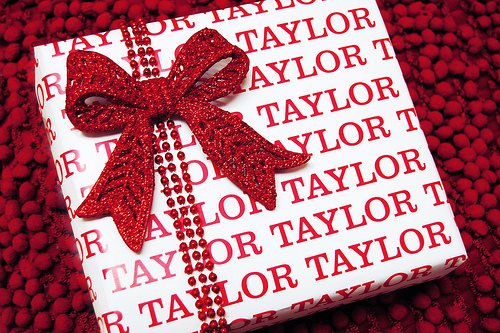 Name Your Gift Wrap Allfreeholidaycrafts