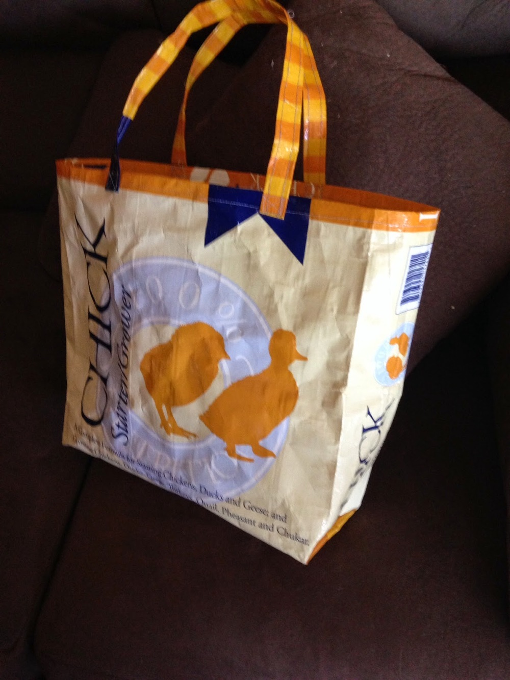 rustic dining chair stool model upcycled diy grocery bag | allfreesewing.com