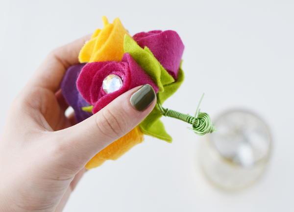 Rosebud Felt Flower Bouquet 16 Large600 ID 2433309 - Buquês de flores de feltro