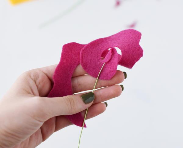 Rosebud Felt Flower Bouquet 8 Large600 ID 2433372 - Buquês de flores de feltro