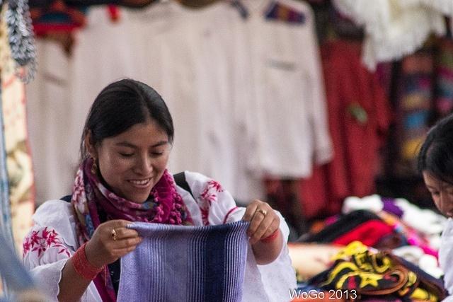 femme marché Quito Equateur