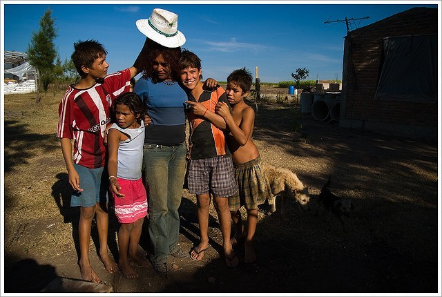 femme et ses enfants amerique du Sud