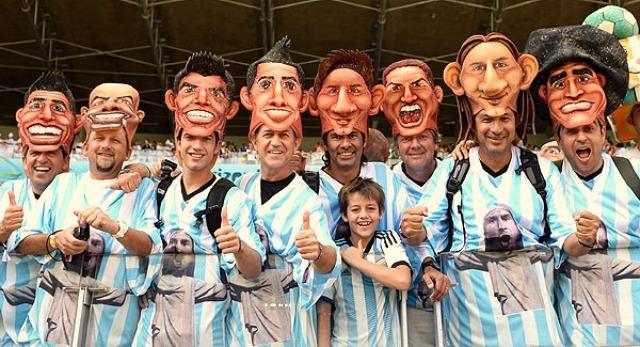 Des fans argentins bien préparés pour le Mondial © Martin Meissner / AP